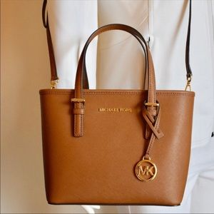 MICHAEL KORS JET SET TRAVEL 🌺MEMORIAL DAY SALE🌺
